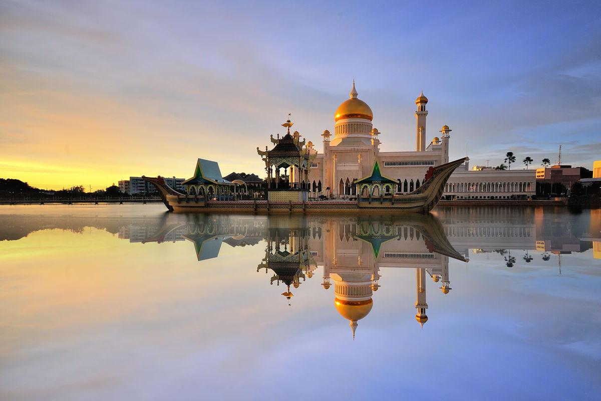 Sultan-Omar-Ali-Saifuddin-Moschee in Brunei