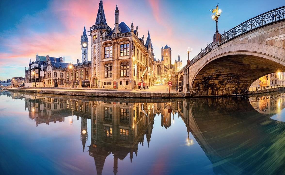 Fluss in der Altstadt von Gent in Belgien