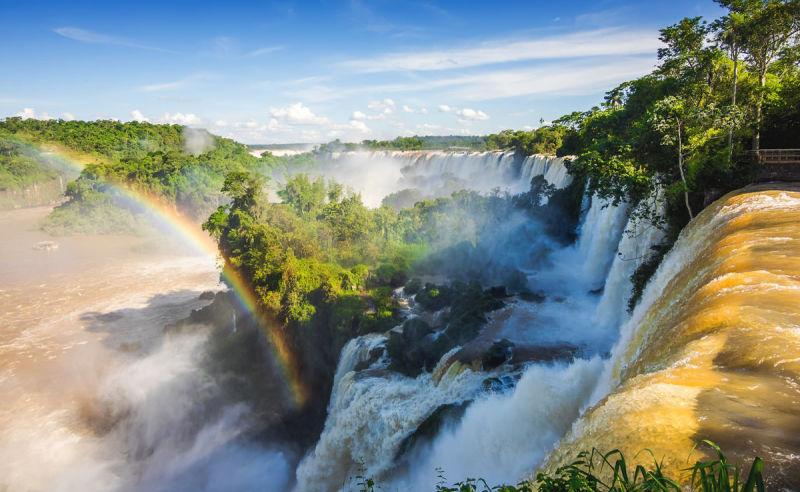 Iguazu Wasserfall an der Grenze zwischen Argentinien und Brasilien