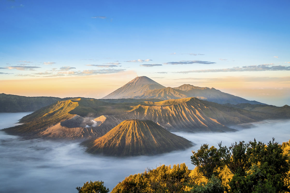 Sonnenaufgang am Mount Bromo in Indonesien