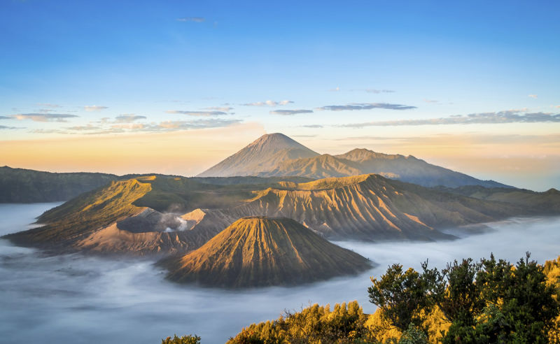 Sonnenaufgang am Mount Bromo in Indonesien