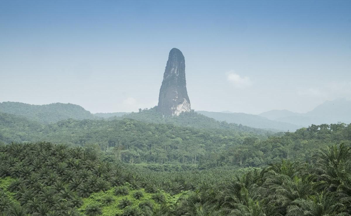 Nadelförmiger Vulkan-Härtling Cão Grande auf São Tomé und Príncipe
