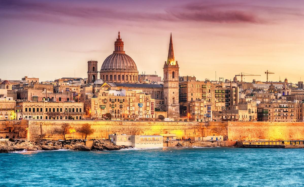 Skyline von Valletta in Malta im Sonnenuntergang
