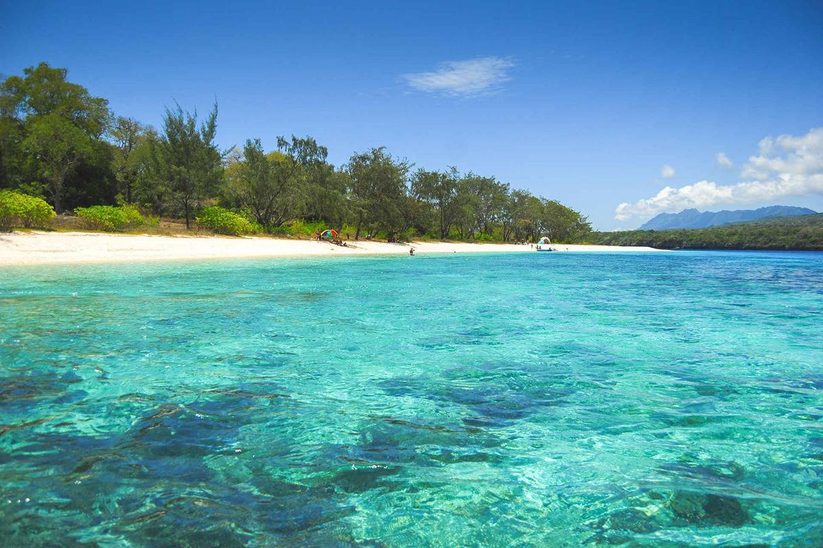 Tropischer Strand auf der Insel Jaco in Osttimor
