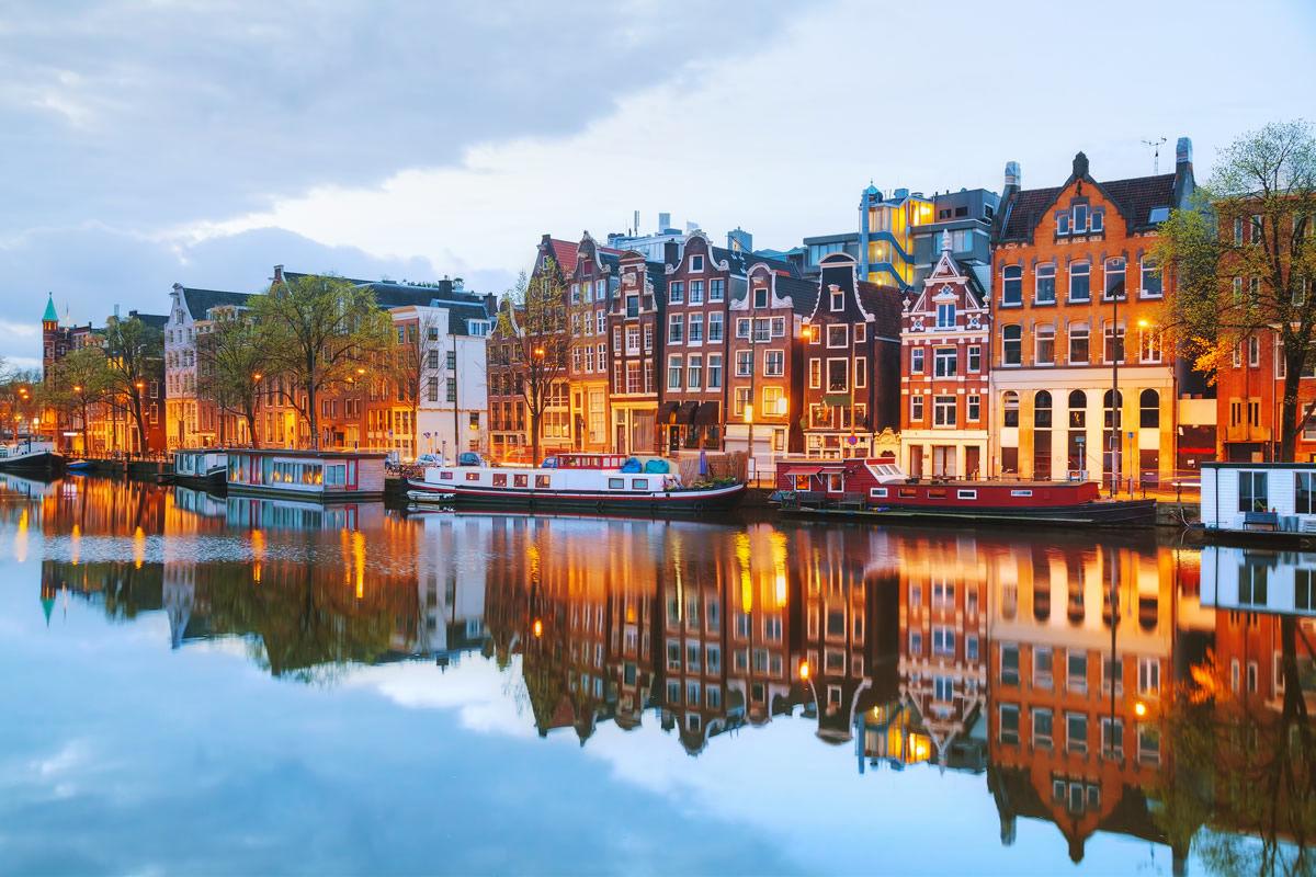 Abendstunde am Kanal in Amsterdam