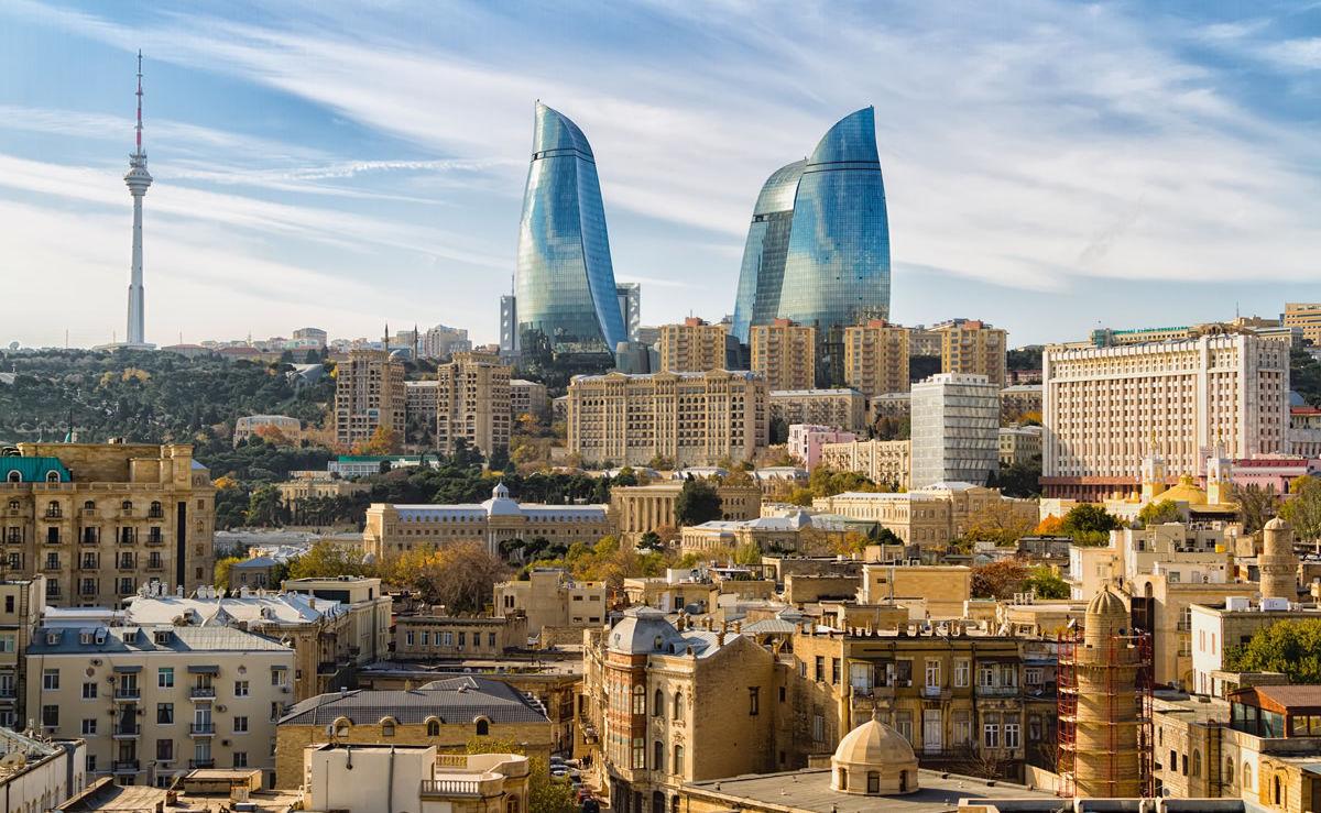 Panorama von Aserbaidschans Hauptstadt Baku