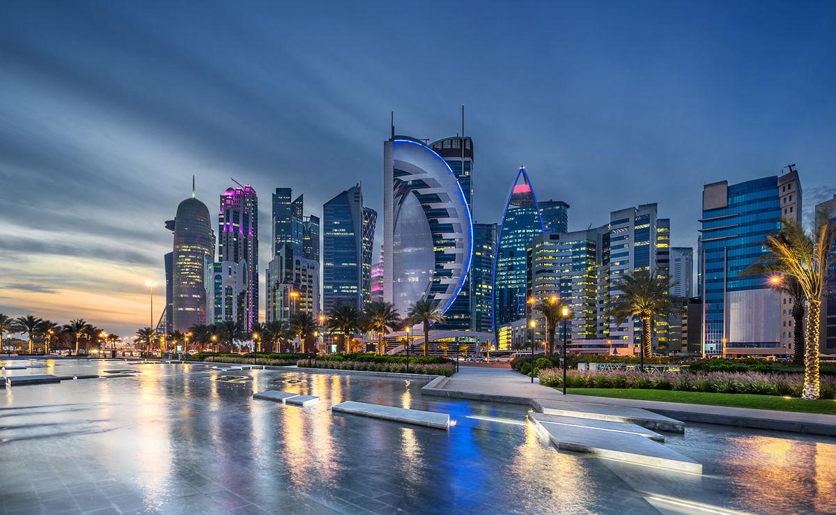 Ufer an der westlichen Bucht von Doha in Katar
