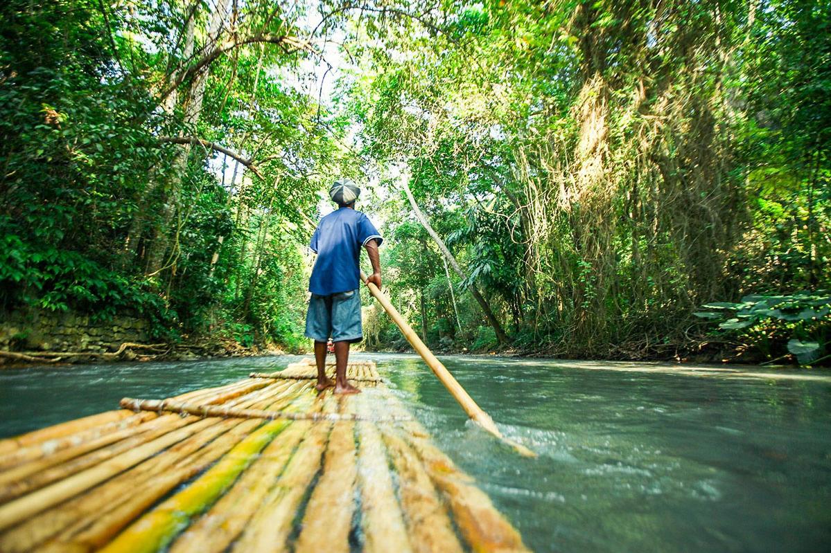 Rafting in den Wäldern von Jamaika